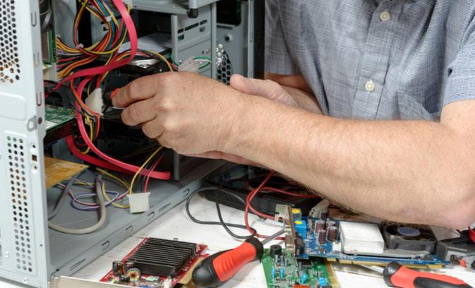 العوامل التي يجب مراعاتها عند اختيار مزود صيانة الكمبيوتر